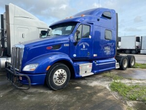 2012 PETERBILT 587 TRACTOR - VIN 1XP4DP9XXFD248383 - BLUE - SLEEPER CAB - MILES UNKNOWN (NO KEYS) (LOCATED IN DAVIE, FL) (T-NK-R6)