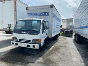 2004 ISUZU NPR BOX TRUCK - VIN #JALB4B14147002149 - 14' BOX - DIESEL ENGINE - MILES UNKNOWN (ENGINE LOCKED / NO CONTENTS) (LOCATED IN DAVIE, FL) (T-NK-R2)