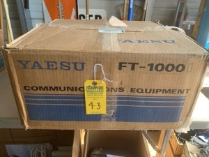 YAESU FT1000 DOUBLE DX TRANSCEIVER (NEW IN BOX) (LOCATED IN INMAN SC)