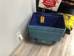 SHOPPING BASKETS WITH RACK